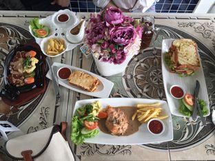 Foto review Aurora Cafe oleh Theodora  1