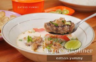 Foto 4 - Makanan(Soto Buntut) di Soto & Sop Khas Betawi Bang Nawi oleh Yummy Eats