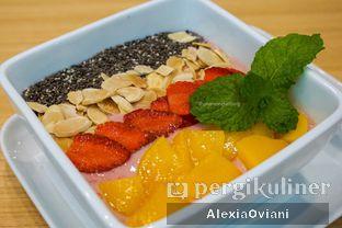 Foto 5 - Makanan(CHROMA FRUITY SMOOTHIES BOWL) di Chroma Coffee and Eatery oleh @gakenyangkenyang - AlexiaOviani