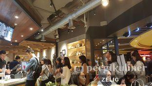 Foto 4 - Interior di KOI Cafe oleh @teddyzelig