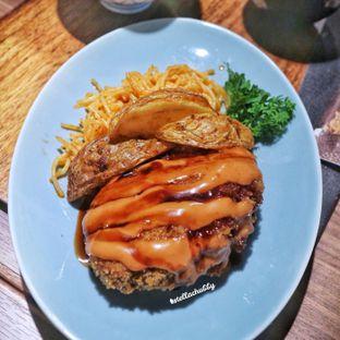 Foto 5 - Makanan(Higawari set+ menci katsu) di Miu oleh Stellachubby
