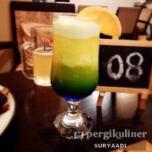 Foto 4 - Makanan(Tropical Blue Float) di Grand Father Coffee Shop oleh Surya Adi Prakoso