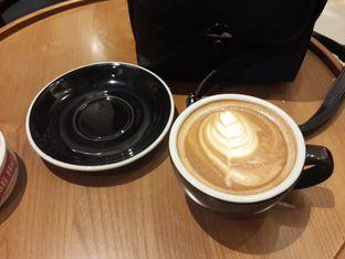 Foto 7 - Makanan(Cappuccino) di Demeter oleh @stelmaris