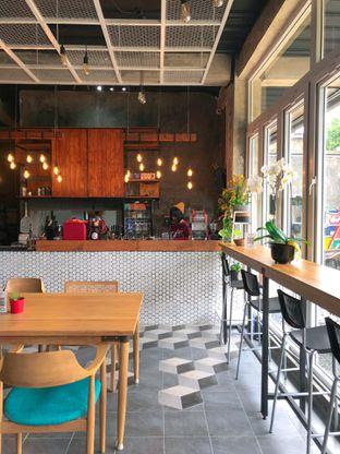 Foto 10 - Interior di Monty's Kitchen & Coffee oleh yudistira ishak abrar