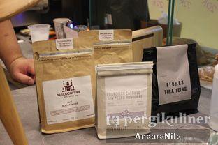 Foto 16 - Interior di 7 Speed Coffee oleh AndaraNila