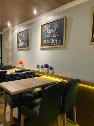 Foto review Y Bakery & Coffee oleh Jeljel  5