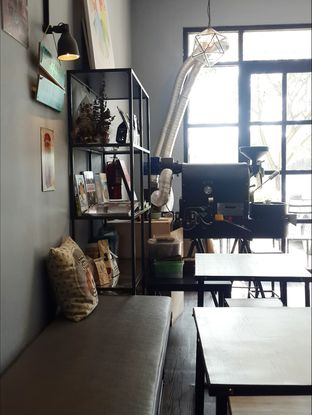 Foto 2 - Interior di Monomania Coffee House oleh Claudia @grownnotborn.id