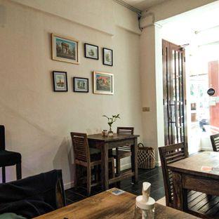 Foto 18 - Interior di PLUIE Cafe & Resto oleh duocicip