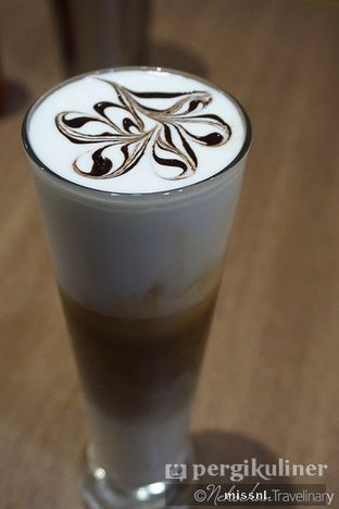 Foto 3 - Makanan(Iced Cafe Latte) di Haagen - Dazs oleh Andriani Wiria