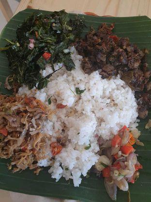 Foto 1 - Makanan di Nasi Pedas Bali Made oleh Duolaparr