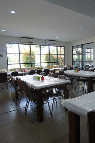 Foto 6 - Interior di Sentosa Seafood oleh inggie @makandll