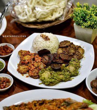 Foto 1 - Makanan di Warung Jengkol oleh @eatandclicks Vian & Christine
