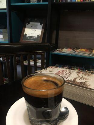 Foto 2 - Makanan(Long Black) di Dailydose Coffee & Eatery oleh RI 347 | Rihana & Ismail