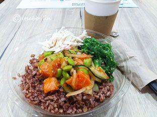 Foto 1 - Makanan di Spinfish Poke House oleh abigail lin