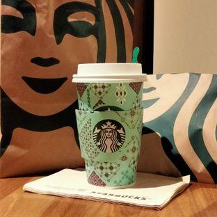 Foto review Starbucks Coffee oleh Chris Chan 1