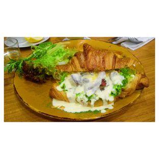 Foto 1 - Makanan(Beef & Mushroom Carbonara Sandwich ) di Bellamie Boulangerie oleh Novita Purnamasari