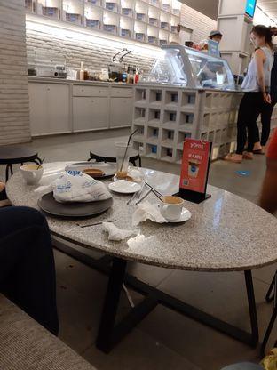 Foto 1 - Makanan di YOMS Pisang Madu & Gorengan oleh Vizh Zhen