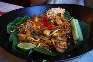 Foto 8 - Makanan(Pad Thai) di Bo & Bun Asian Eatery oleh Elvira Sutanto