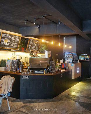 Foto 5 - Interior di Railway Coffee Station oleh @kulineran_aja