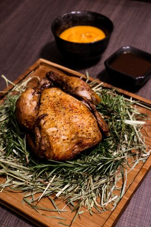 Foto 1 - Makanan di Mare Nostrum - Grand Sahid Jaya Hotel oleh feedthecat