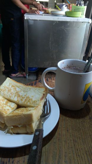 Foto 2 - Makanan di Roti Gempol oleh Joshua Theo