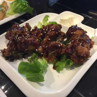 Foto 3 - Makanan(Chicken Wing) di Amyrea Art & Kitchen oleh Anne Yonathan