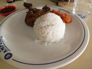 Foto - Makanan di Warung Nasi Ampera oleh Wina M. Fitria