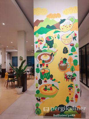 Foto 7 - Interior di Komune Cafe oleh cynthia lim