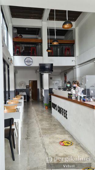 Foto 2 - Interior di Drips Coffee oleh Velvel