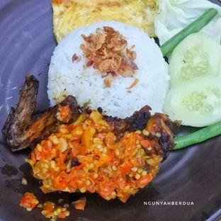 Foto 2 - Makanan di Mamadar Ayam Kaser oleh ngunyah berdua