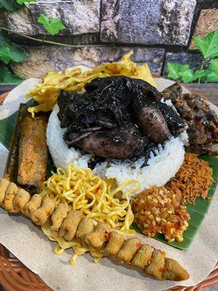 Foto review Nasi Cumi Hitam Madura Pak Kris oleh Yohanacandra (@kulinerkapandiet) 6