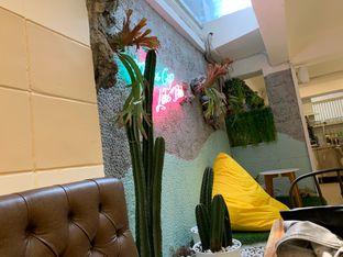 Foto 6 - Interior di Wake Cup Coffee oleh shasha