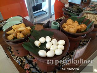 Foto review Harris Cafe - Harris Hotel & Conventions Sentul City oleh Vera Arida 7