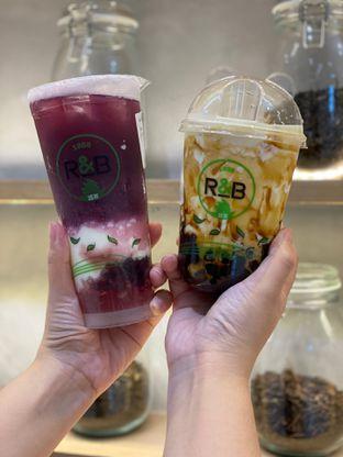 Foto 6 - Makanan di R&B Tea oleh Duolaparr