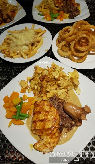 Foto Makanan di Karnivor