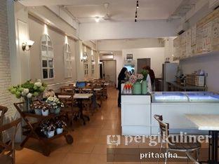 Foto 4 - Interior di La Ricchi Ice Cream oleh Prita Hayuning Dias