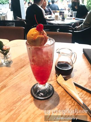 Foto 4 - Makanan(Cherry Soda Float) di Greyhound Cafe oleh Rachel Intan Tobing