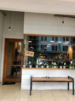 Foto 3 - Interior di Emmetropia Coffee oleh kdsct