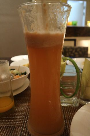 Foto 1 - Makanan di The Cafe - Hotel Mulia oleh Dini  Nurfitri