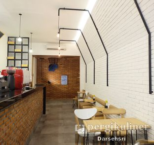 Foto 6 - Interior di Coffeeright oleh Darsehsri Handayani