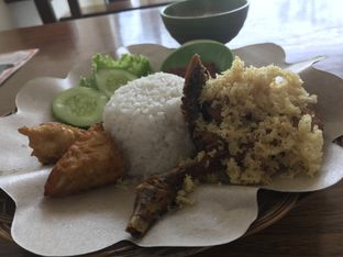 Foto 5 - Makanan di Ayam Tulang Lunak Keratonan oleh Oswin Liandow