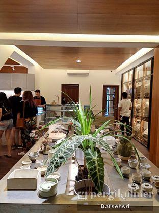 Foto 5 - Interior di Simetri Coffee Roasters oleh Darsehsri Handayani