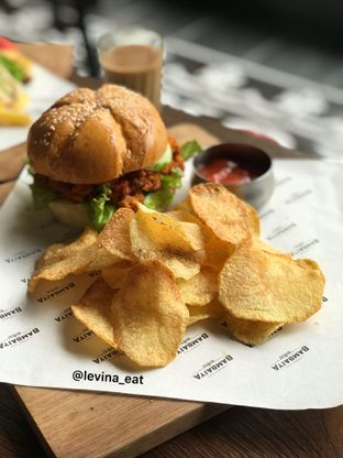 Foto 7 - Makanan(Chicken Tikka Burger) di Bambaiya oleh Levina JV (IG : levina_eat )