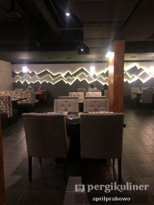 Foto 10 - Interior di Shin The Korean Grill oleh Cubi