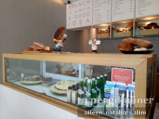 Foto 7 - Interior(Cashier) di Origin Bakery oleh @NonikJajan
