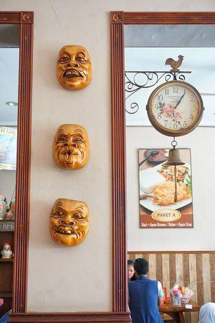 Foto 14 - Interior di Ayam Kremes Bu Tjondro oleh yudistira ishak abrar