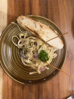 Foto 3 - Makanan(Fettucine ) di Kenzo Coffee oleh Mandy Mollyy