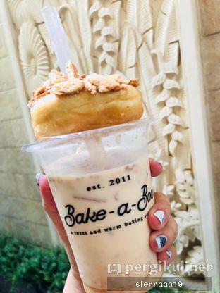 Foto 1 - Makanan(salted caramel regal latte) di Bake-a-Boo oleh Sienna Paramitha