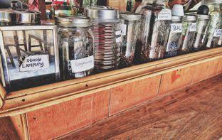 Foto 7 - Interior di Baracik Coffee oleh Astrid Huang | @biteandbrew