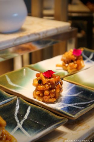 Foto 13 - Makanan di Arts Cafe - Raffles Jakarta Hotel oleh Vionna & Tommy
